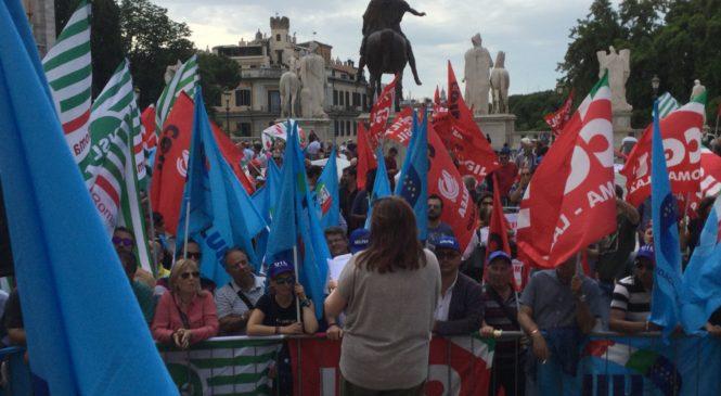 "Istantanee del sit in in Campidoglio ""Quanto eri bella Roma"""