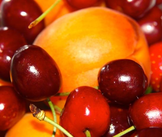 Prezzi alle stelle. A Roma aumentano acqua, frutta e bollette